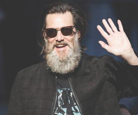 Джим Керри будет отращивать бороду до конца карантина