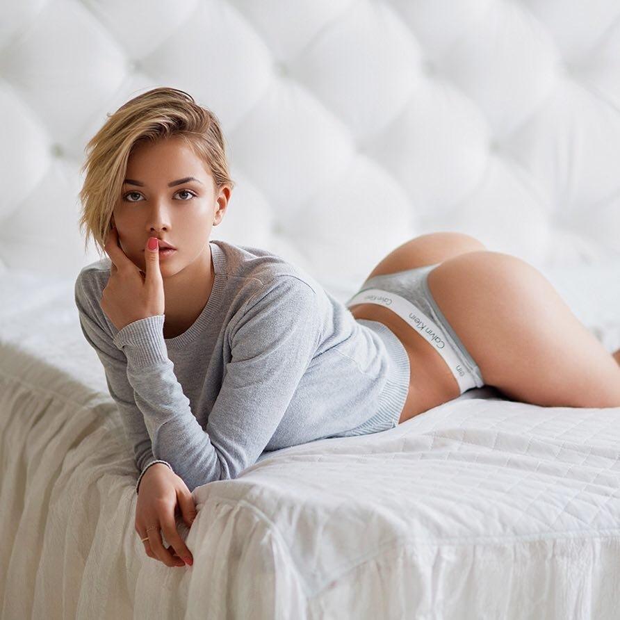 Катерина Ширяева фото с короткой стрижкой